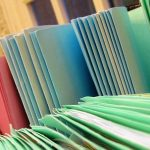 Du dossier social «papier» au dossier informatique. Eléments de réflexion pour une pratique professionnelle adaptée.