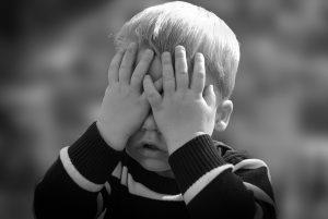 Près de 300.000 mineurs protégés (+1,4%) en France mais la protection de l'enfance manque de moyens.