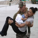 Après les inondations, le Texas est à la recherche de prestataires médicaux et de travailleurs sociaux d'autres États