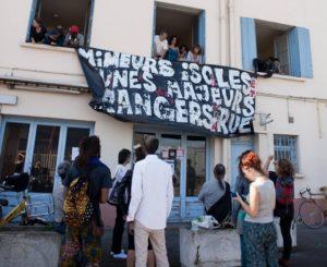 Un hôtel «réquisitionné» par un collectif pour héberger 70 mineurs et jeunes majeurs isolés étrangers actuellement à la rue
