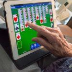 L'exclusion numérique des plus de 60 ans / Handicap : la discrimination au quotidien / Parcourssup dès 2019 pour les étudiants en travail social