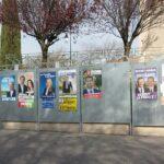 800px Saint Didier Panneaux election regionales 2015
